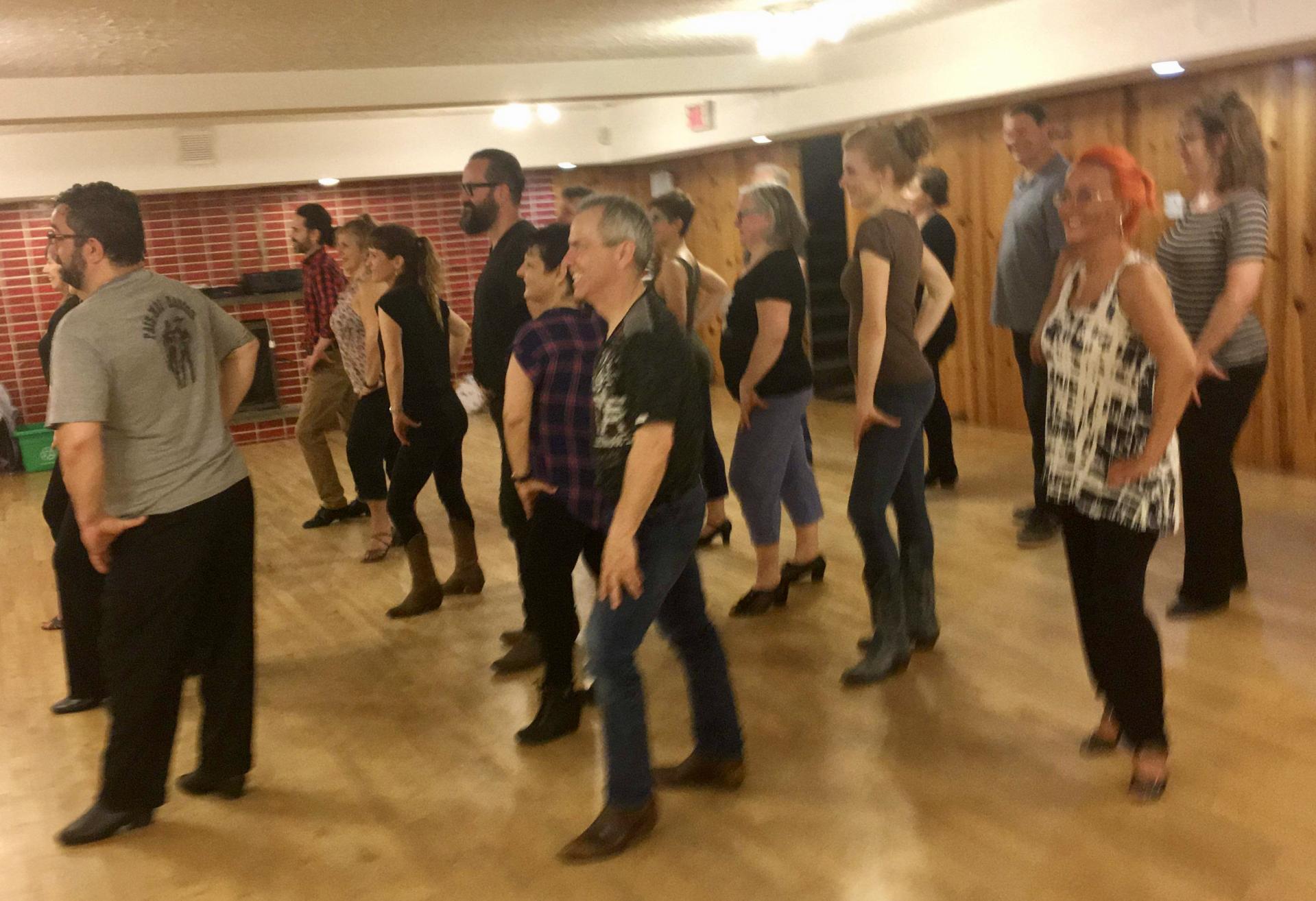 Cours de danse en ligne - Studio 2720
